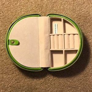 Other - Travel Jewelry Case Green